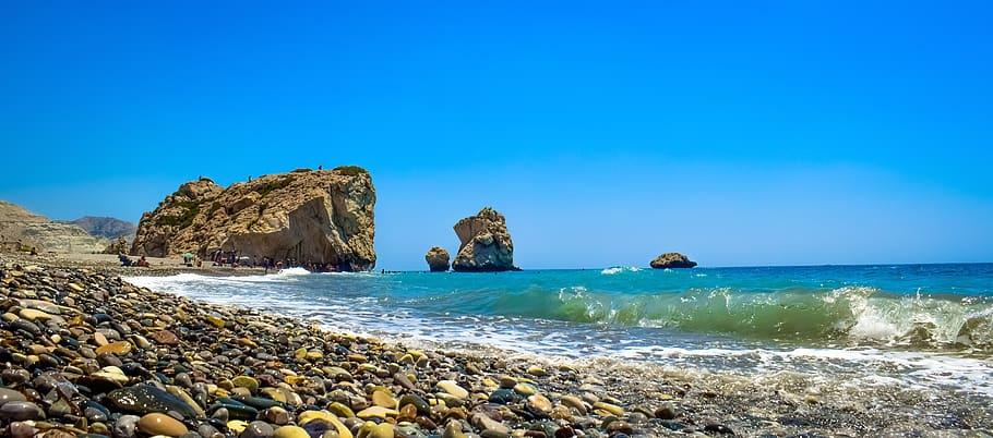 cyprus-petra-tou-romiou-aphrodite-s-rock-scenery